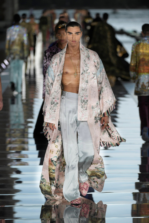 Dolce_Gabbana_Alta_Sartoria_2021_Fashionela (70)