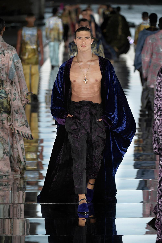 Dolce_Gabbana_Alta_Sartoria_2021_Fashionela (72)