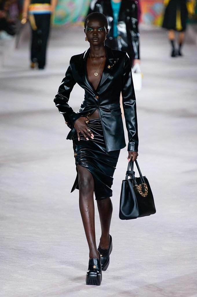 Versace_SS22_Fashionela (14)