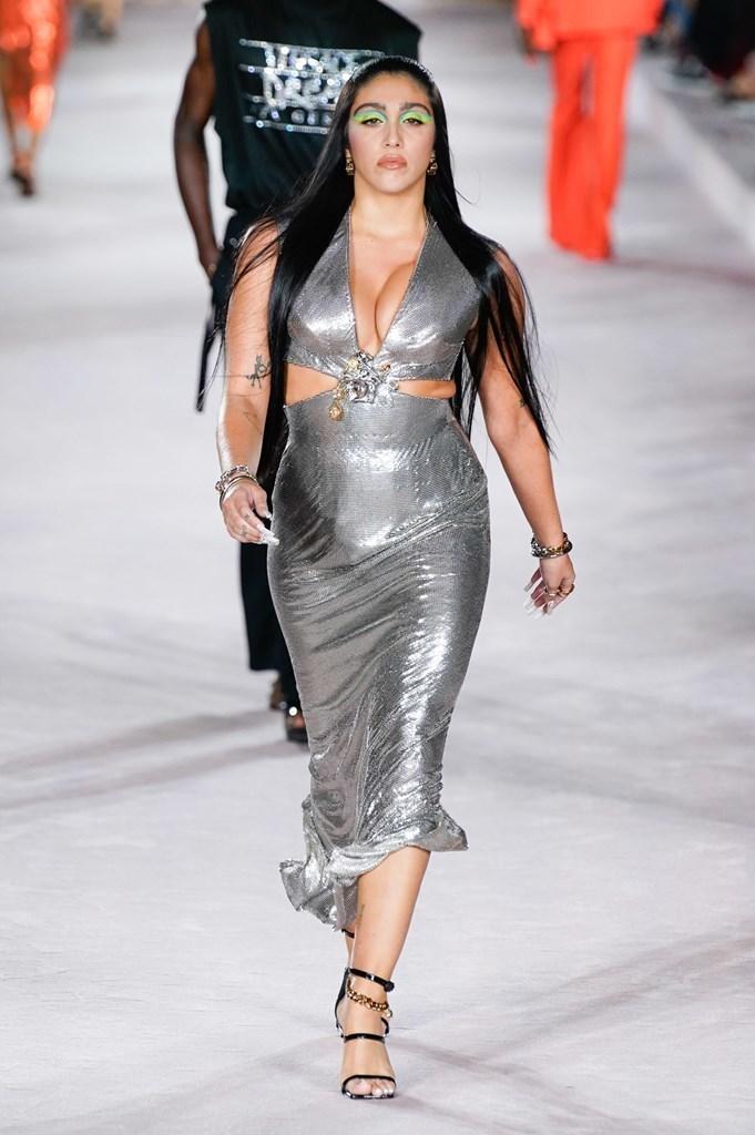 Versace_SS22_Fashionela (69)