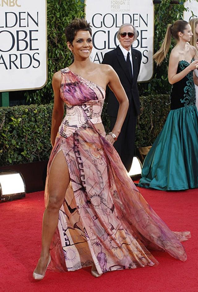 Halle Berry u Versace haljini jedna je od onih koji su dobili najlošije kritike modne javnosti
